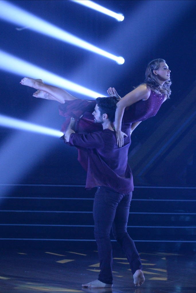 Hannah Brown and Alan Bersten Contemporary Dance to Selena Gomez