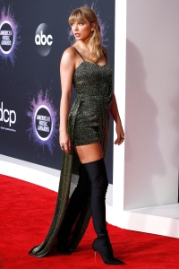 Taylor Swift S Best Fashion Looks Over The Years See The Photos