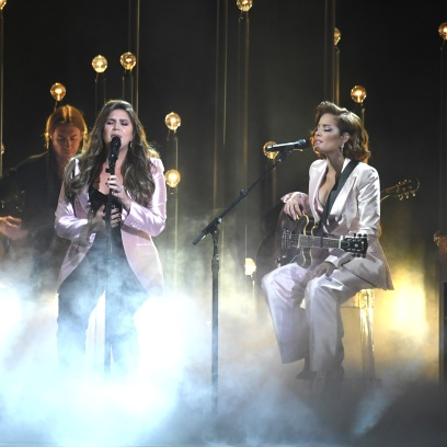 Halsey and Lady Antebellum at the 2019 CMAs