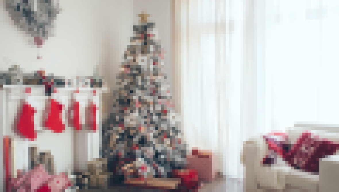 Holiday Decorating Hacks Feature