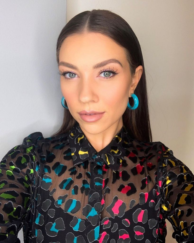Jenna Johnson Dancing With the Stars Snaps a Selfie