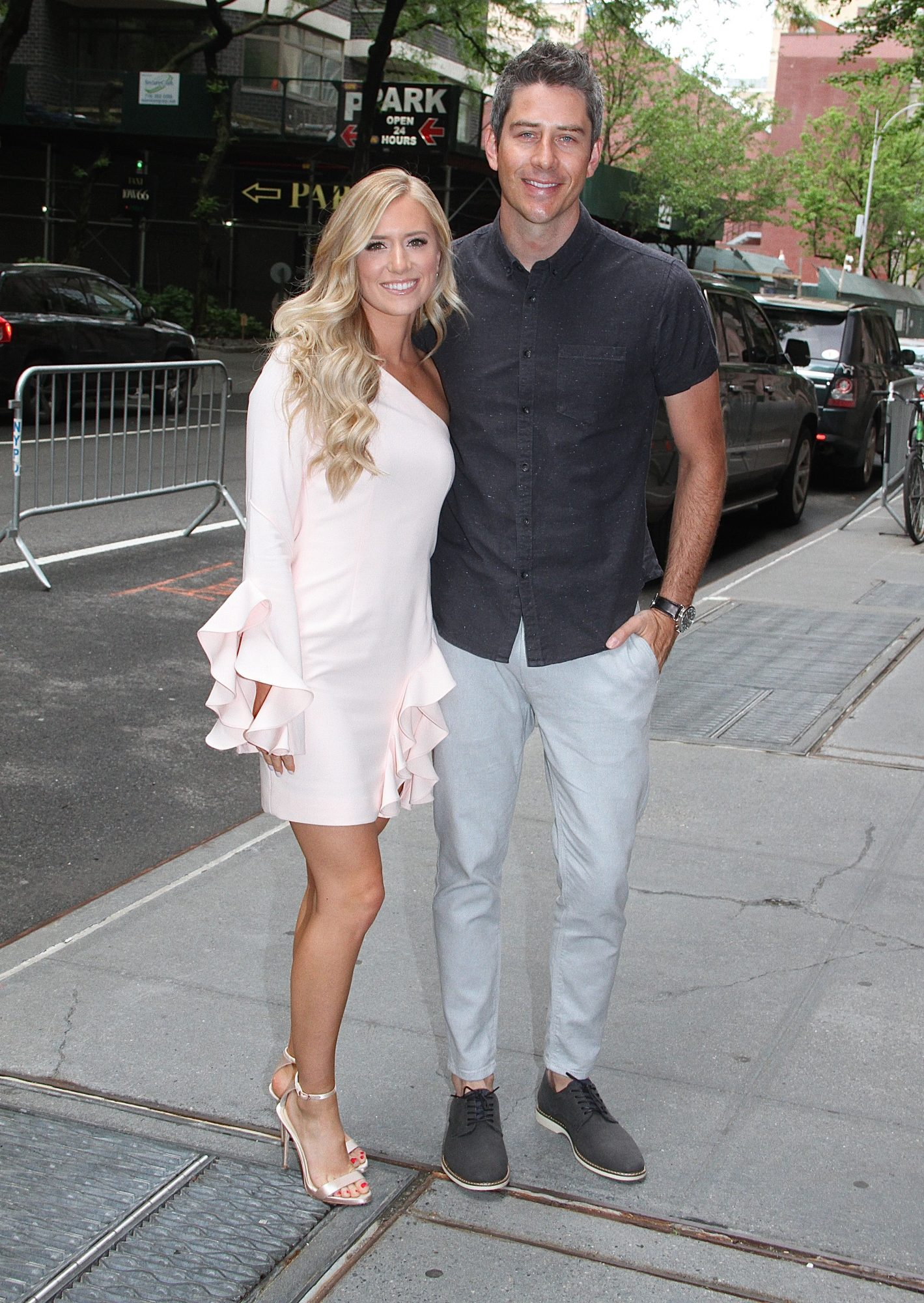 Lauren Luyendyk Reflects on 'Awkward' 1st Date With Now-Husband Arie on 'The Bachelor'