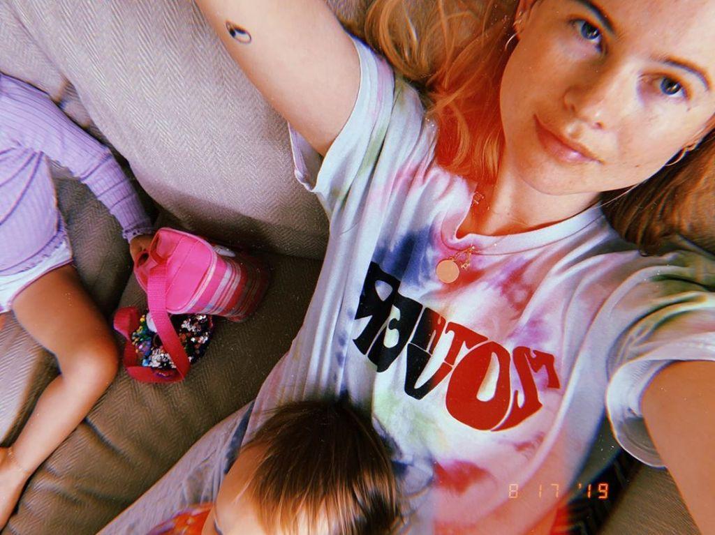 Behati Prinsloo and Daughters