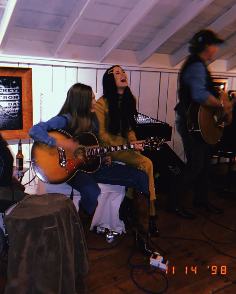 Gigi Hadid and Kacey Musgraves Play the Guitar in Nashville After 2019 CMA Awards