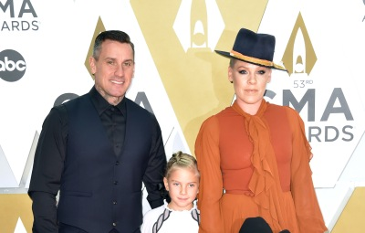 Carey Hart, Jameson Moon Hart, Pink and Willow Sage Hart 2019 CMA Awards Red Carpet pic 2
