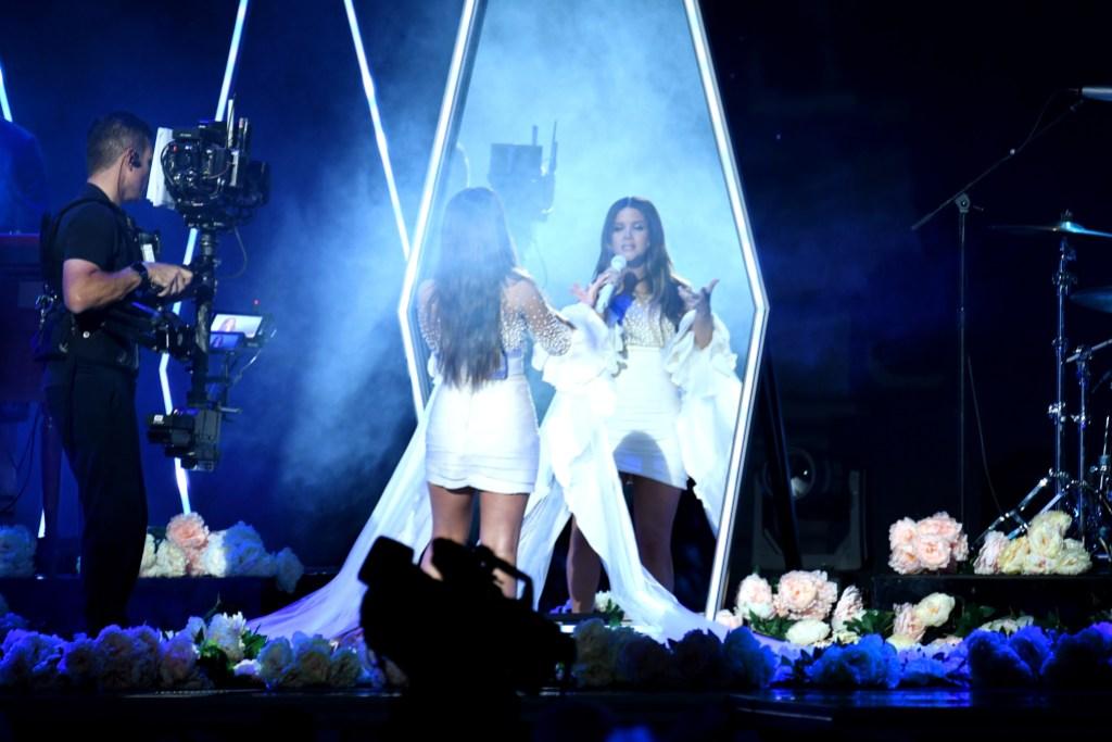 Maren Morris Performs Pregnant at 2019 CMA Awards