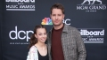 this is us star justin hartley poses with her daughter isabella at a red capret event in may 2019
