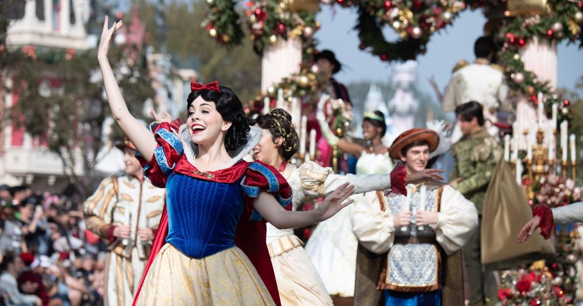 Watch Disney Christmas Parade 2021 Disney Christmas Parade 2019 How To Watch The Performances