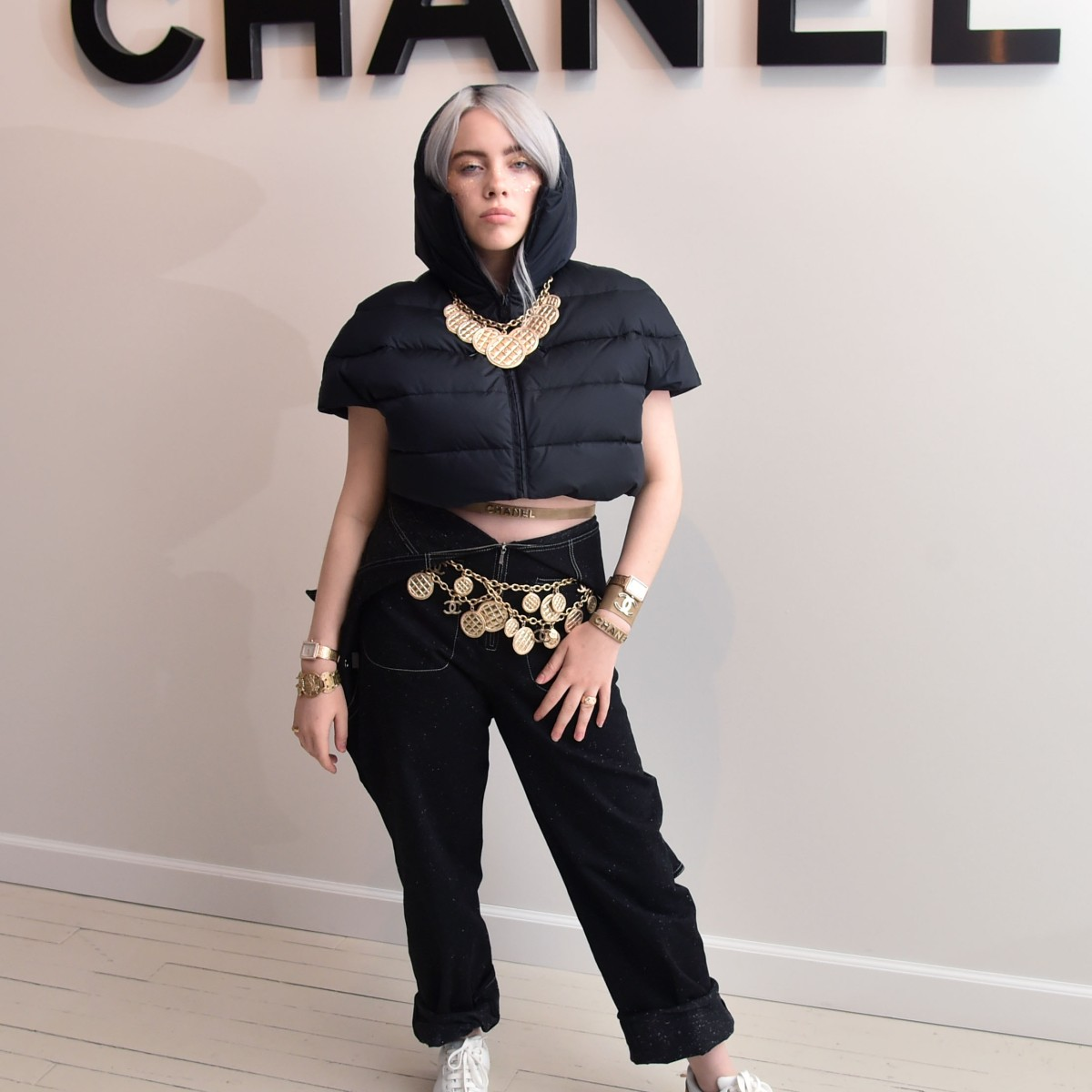 Billie Eilish S Style See The Singer S Best Fashion Moments Over The Years