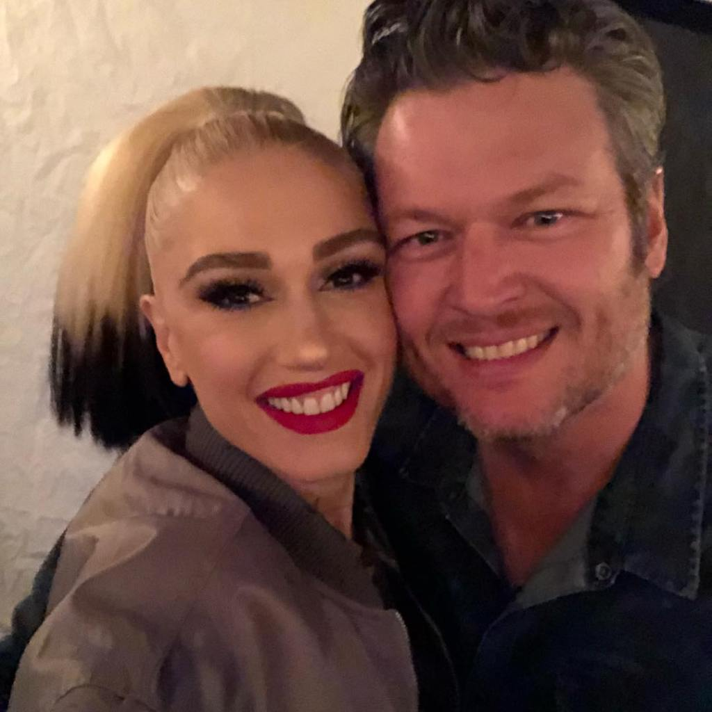 Blake Shelton and Gwen Stefani Posing for the Camera