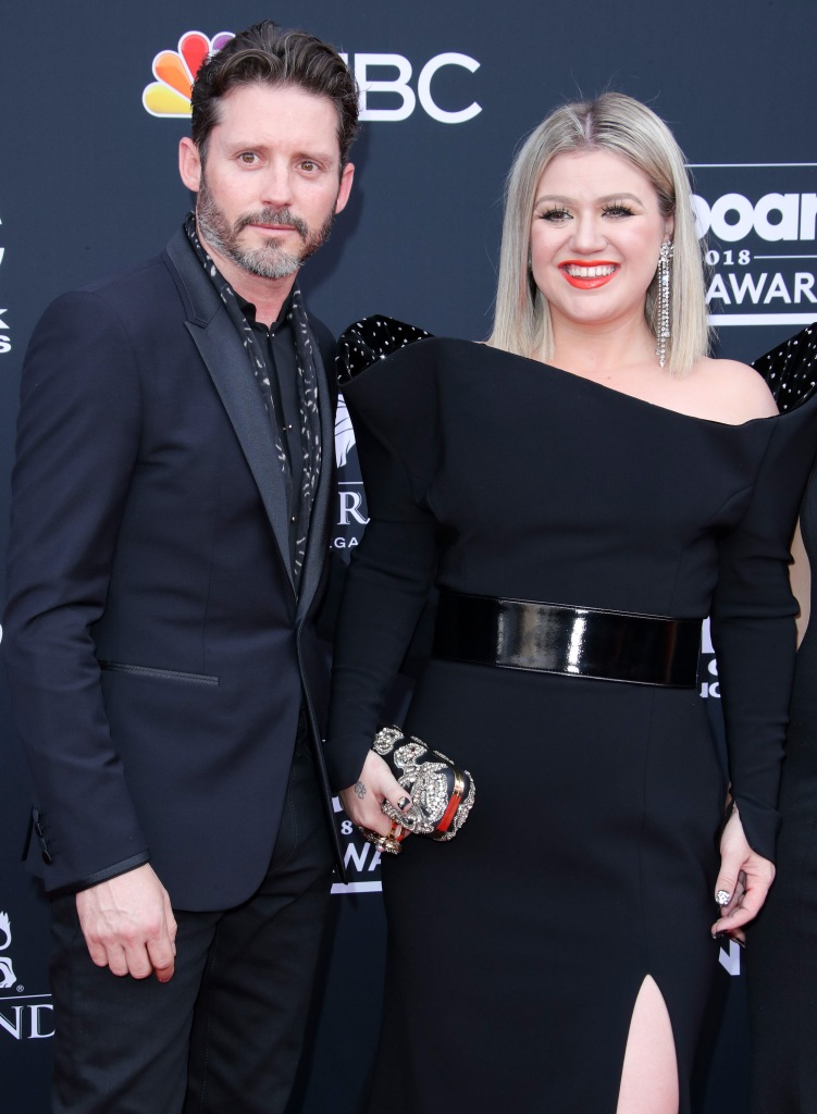 Kelly Clarkson Opens Up About Her Sex Life