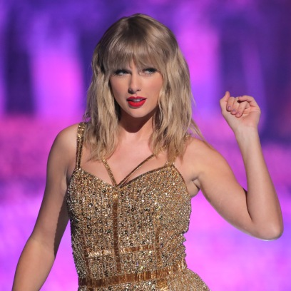 Taylor Swift Birthday Wishes From Gigi Hadid Jonathon Van Ness Elizabeth Banks and More