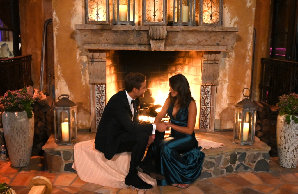 PETER WEBER, HANNAH ANN First Impression Rose Night One The Bachelor