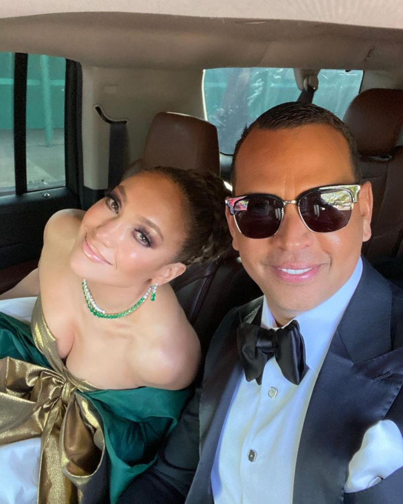 Jennifer Lopez and Alex Rodriguez Snap a Selfie at the 2020 Golden Globes