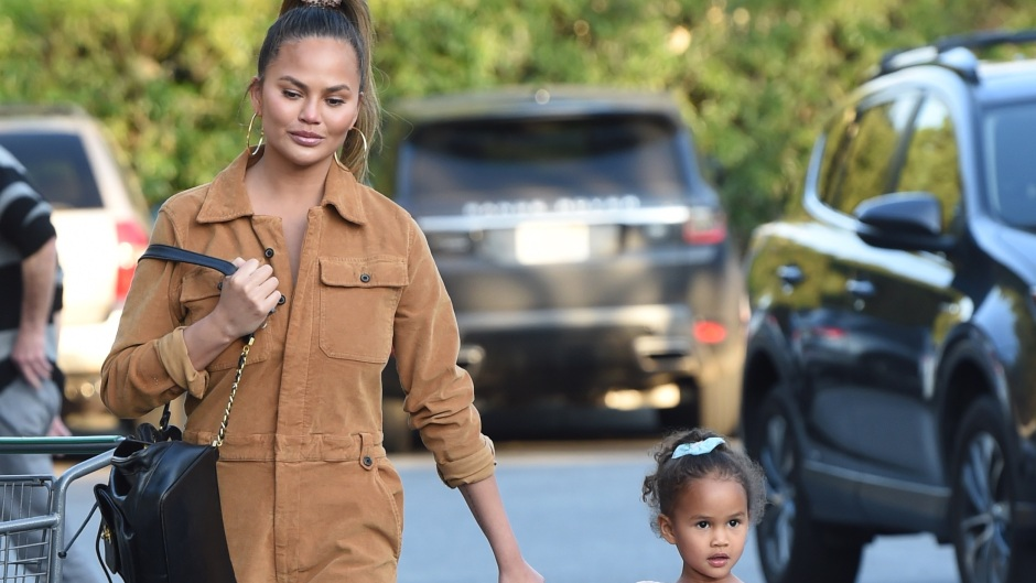 Chrissy Teigen and her daughter Luna go grocery shopping at Bristol Farms