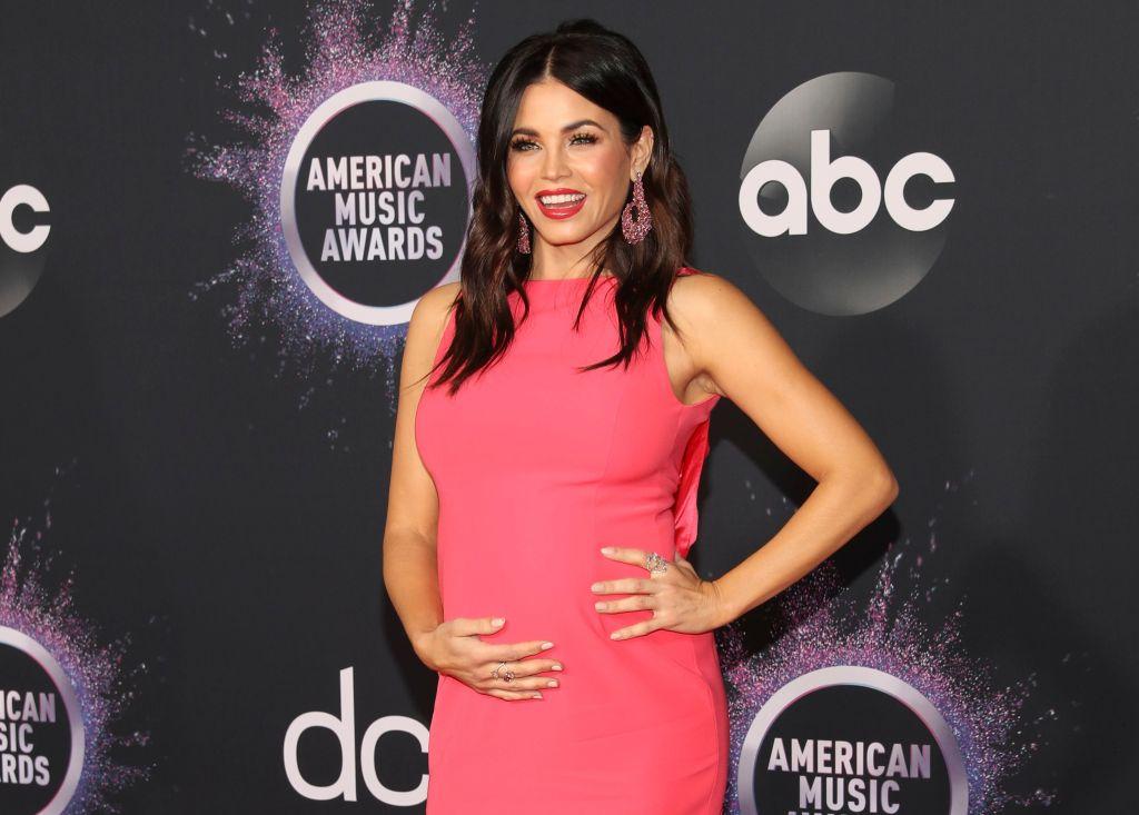 Pregnant Jenna Dewan