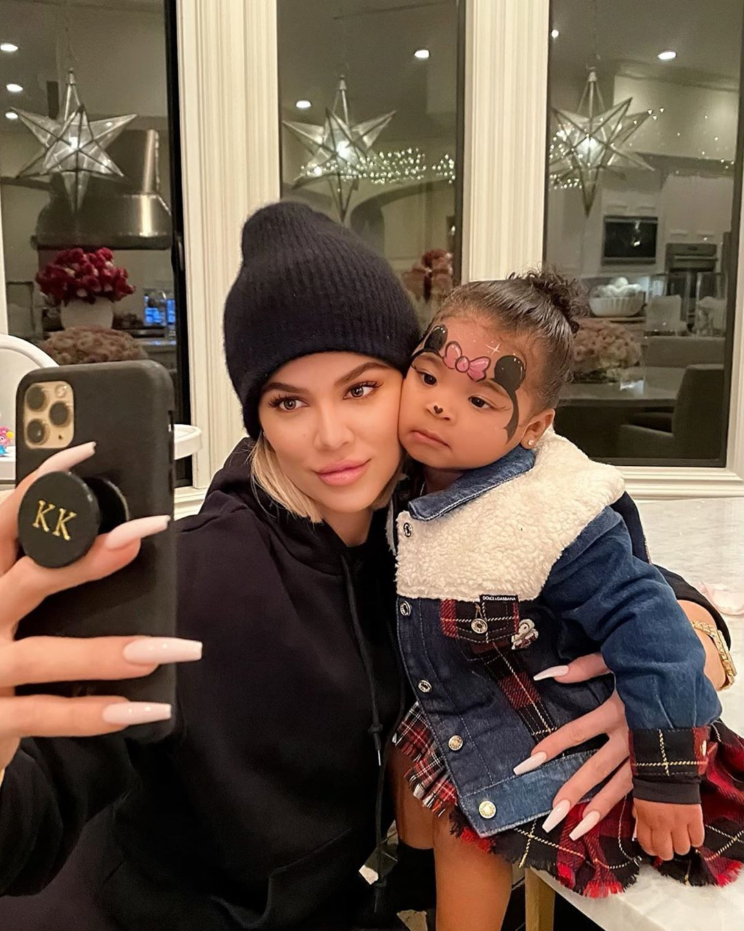 Khloe Kardashian Shares Sweet New Selfies With True Thompson: 'She Kept Asking to Take Pictures'