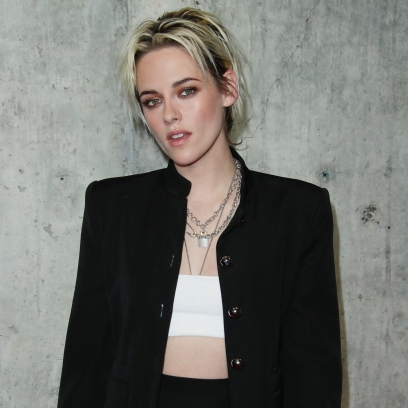 Kristen Stewart Looks Very Rock n' Roll in Black and White Ensemble at 'Underwater' Premiere