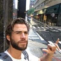Liam Hemsworth Dreamy Photos