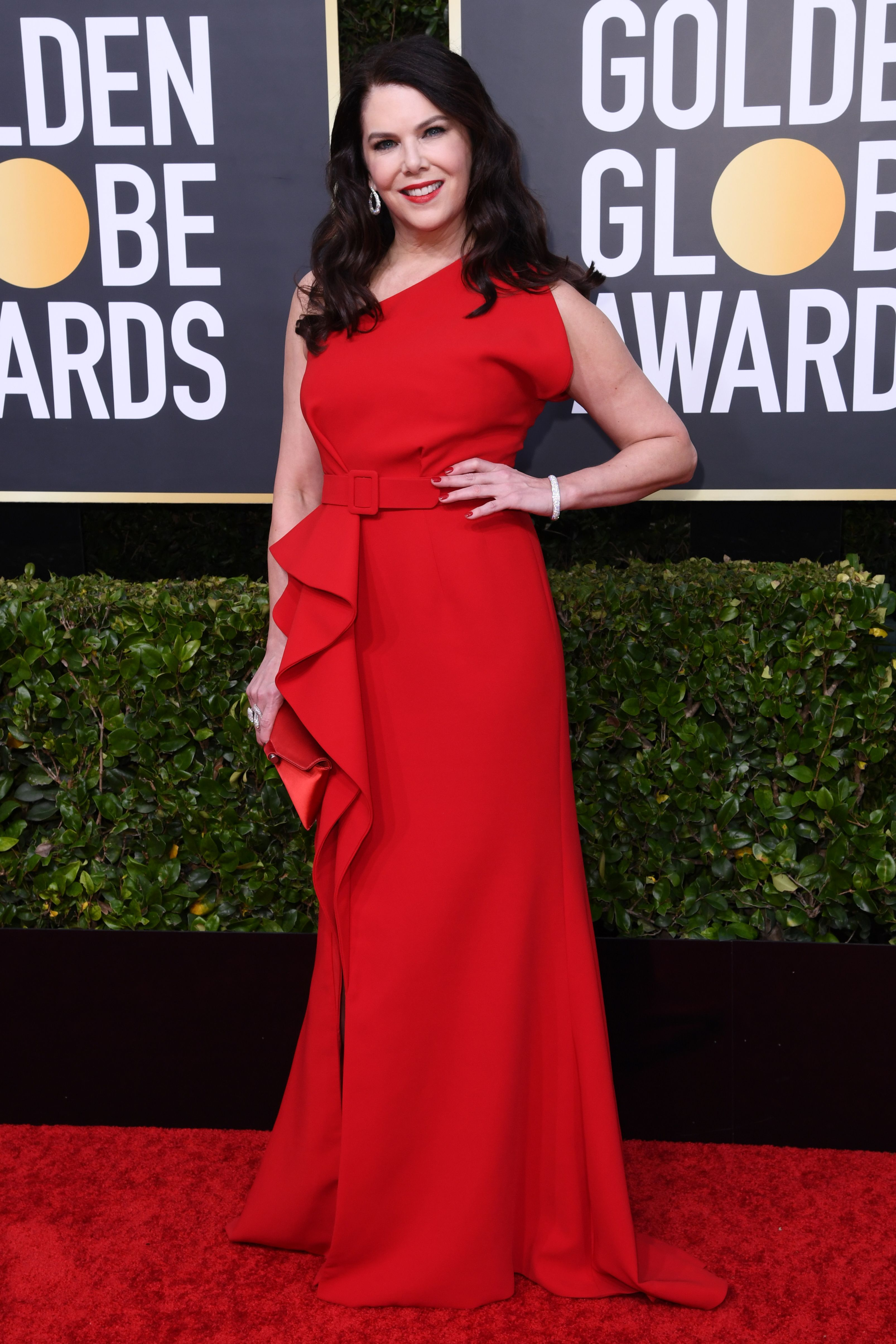 Lauren Graham's Golden Globes 2020 Look Gave Serious Lady in Red Vibes