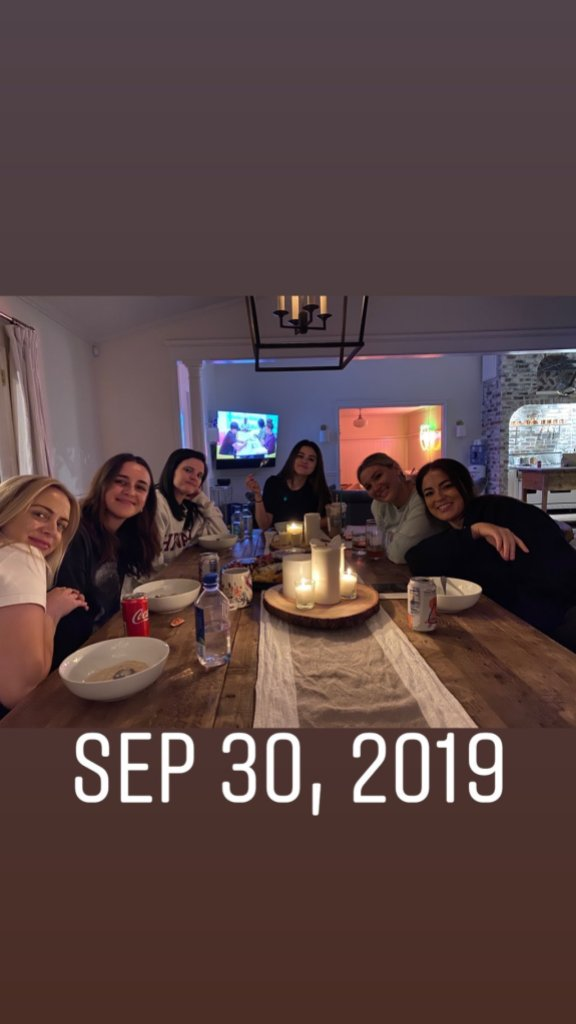 Selena Gomez Dinner With Friends During justin Bieber and Hailey Baldwin's wedding