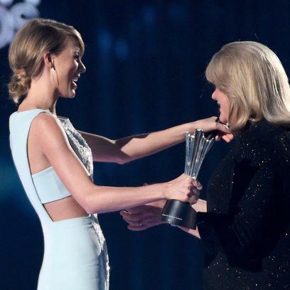 Taylor Swift and Mom Andrea Brain Tumor