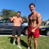 tyler-cameron-sexiest-moments-working-out-shirtless-2