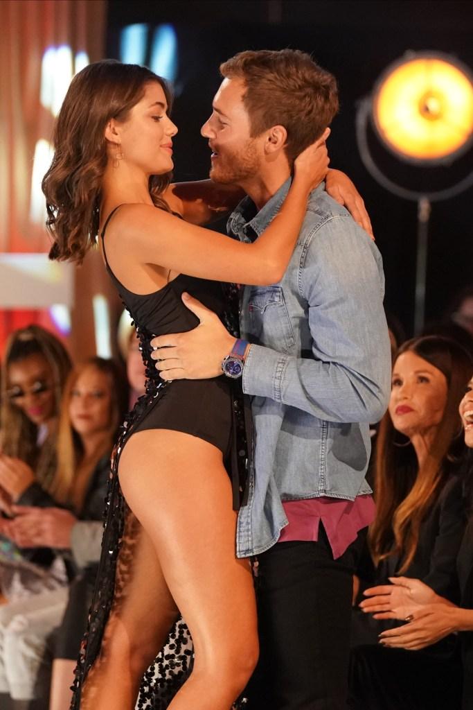 Bachelor Peter Weber Holds Hannah Ann Sluss While Going in for a Kiss