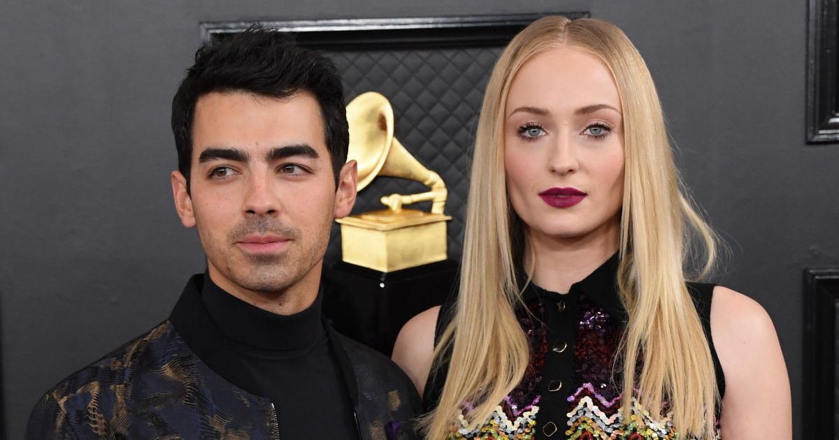 Joe Jonas Plans to Commute to Stay by Pregnant Sophie Turner's Side