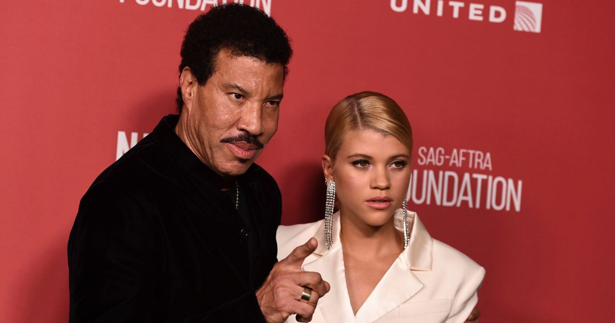 Lionel Richie Recalls Giving Love Advice to Daughter Sofia: 'Run It by Me'