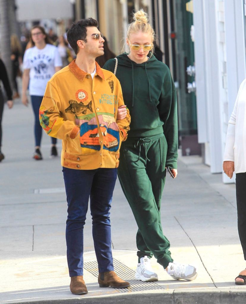 Pregnant Sophie Turner and Joe Jonas Walk Around Los Angeles in January 2020