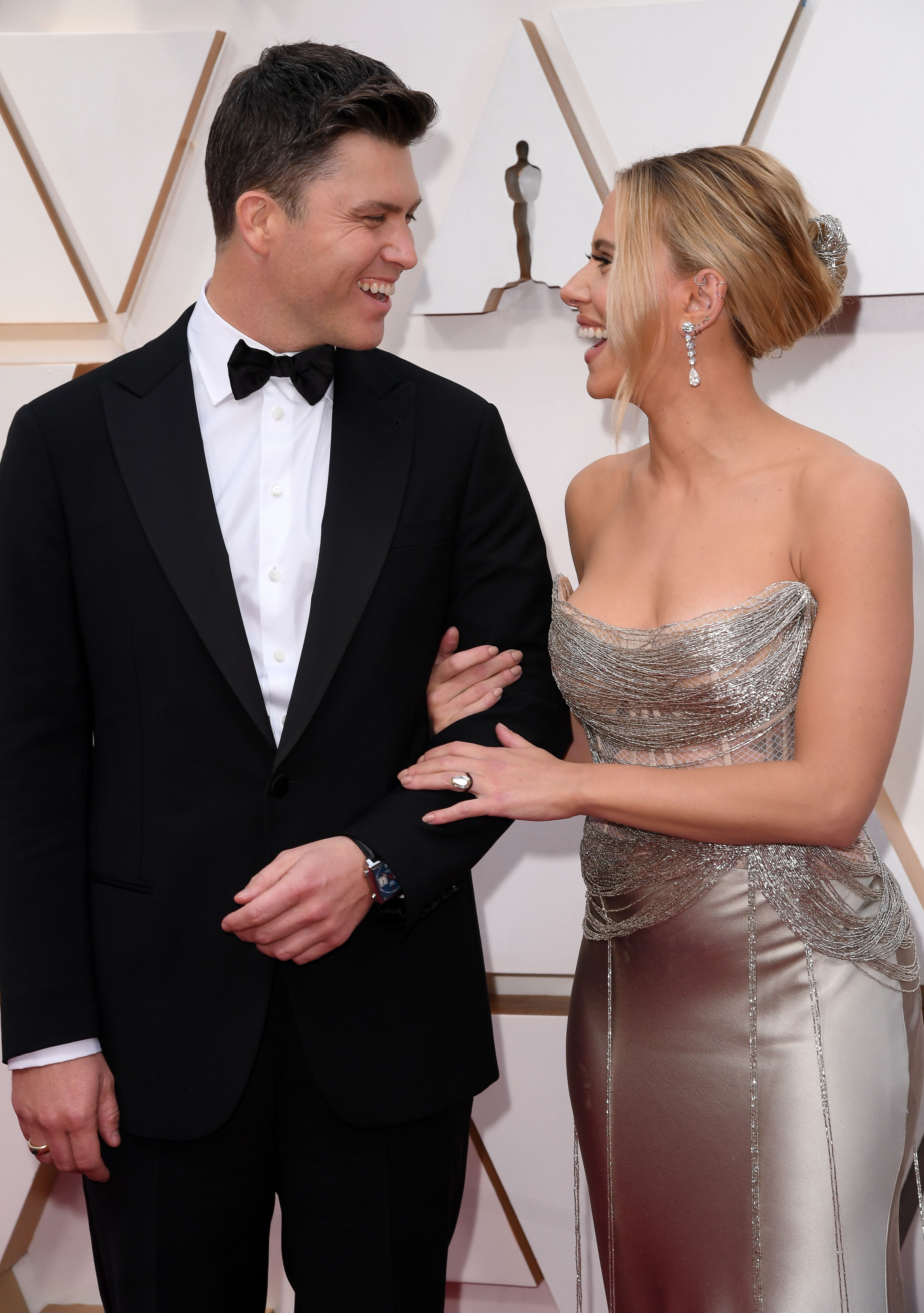 Scarlett Johansson And Colin Jost Share Adorable Moment At Oscars