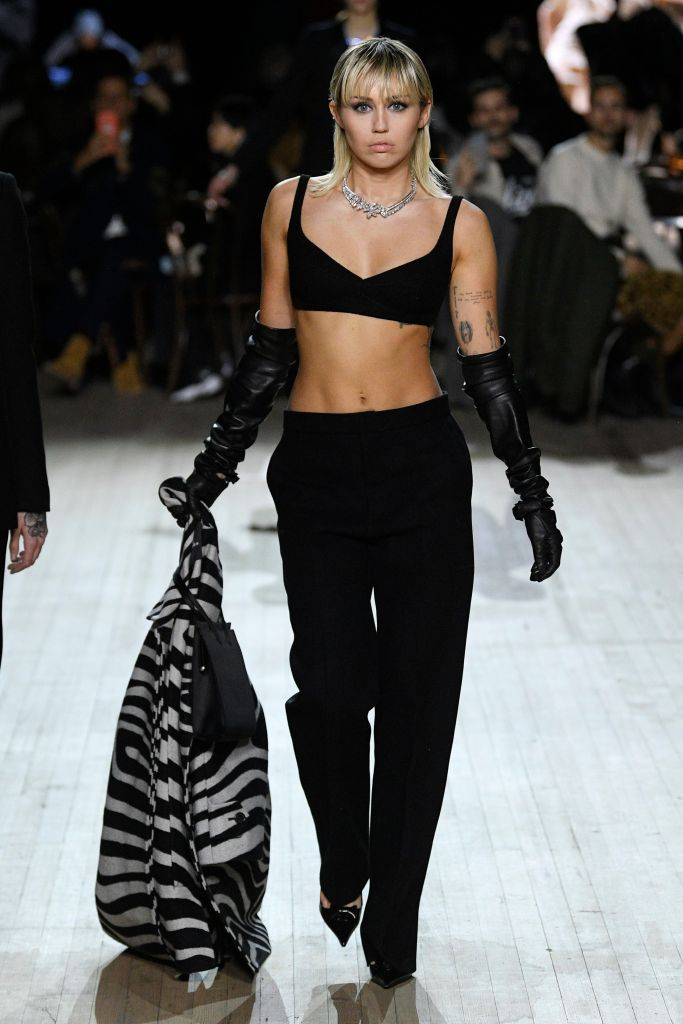 Miley Cyrus Walking the Runway of Marc Jacobs Show NYFW Show in Black Bra and Pants
