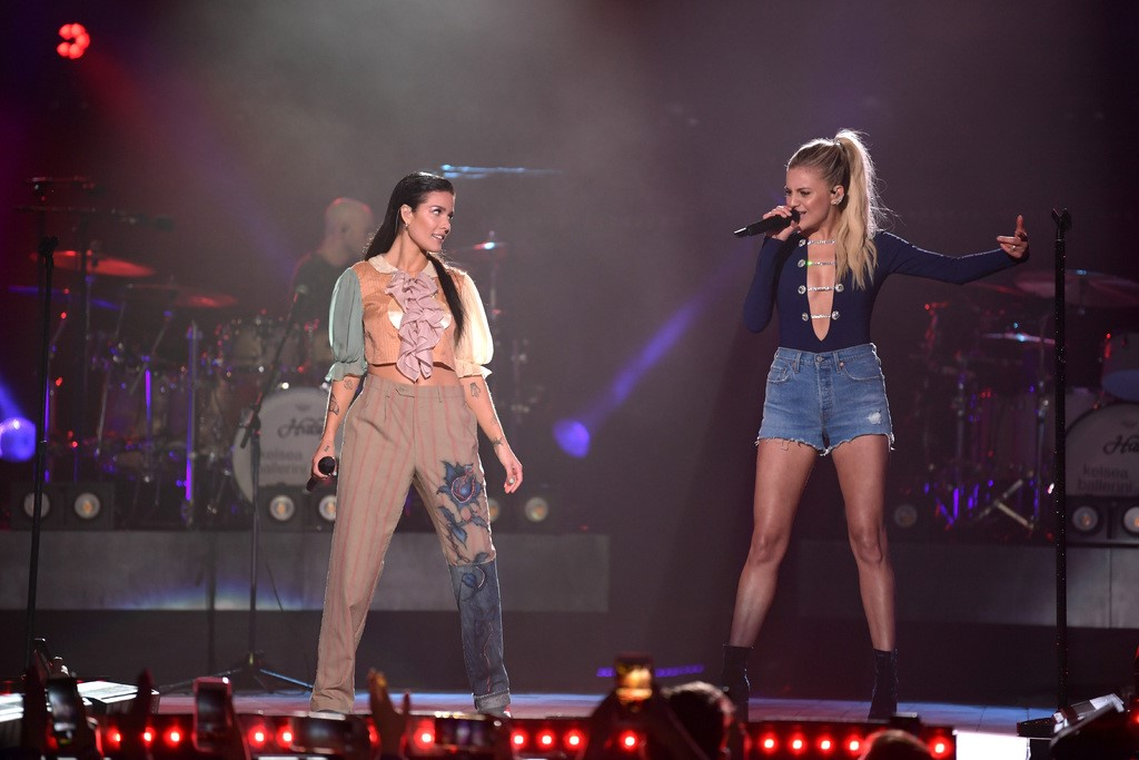 Kelsea Ballerini and Halsey CMT Crossover
