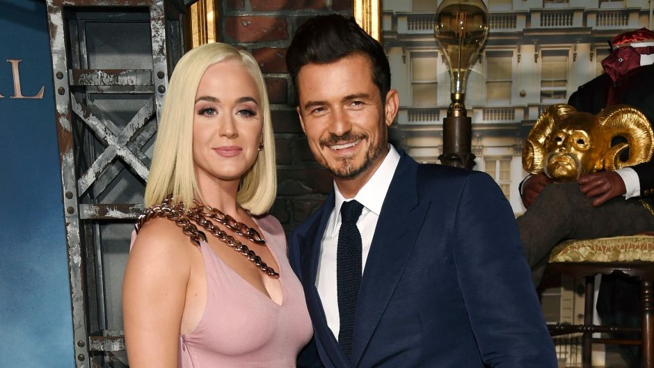 Katy Perry Pink Dress Short Blonde Hair With Orlando Bloom in Blue Suit