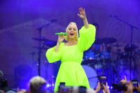 Katy Perry Neon Green Dress Baby Bump