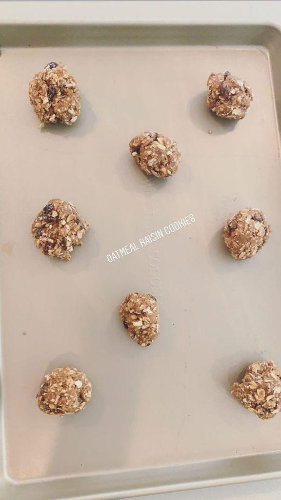 Katherine Schwarzenegger Bakes Cookies
