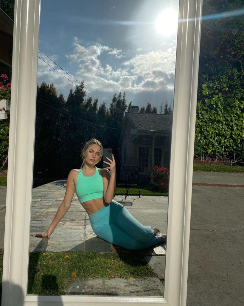 Maddie Ziegler Selfie