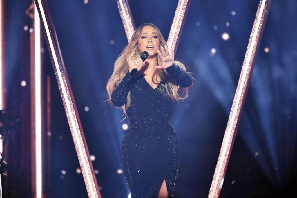 Mariah Carey Performing Hero