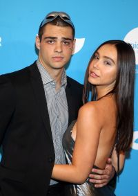 Noah Centineo and Alexis Ren