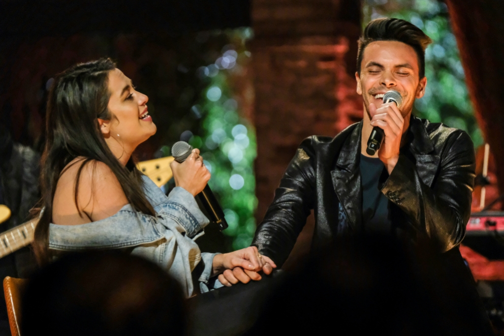 Bekah and Danny Perform on The Bachelor Listen to Your Heart