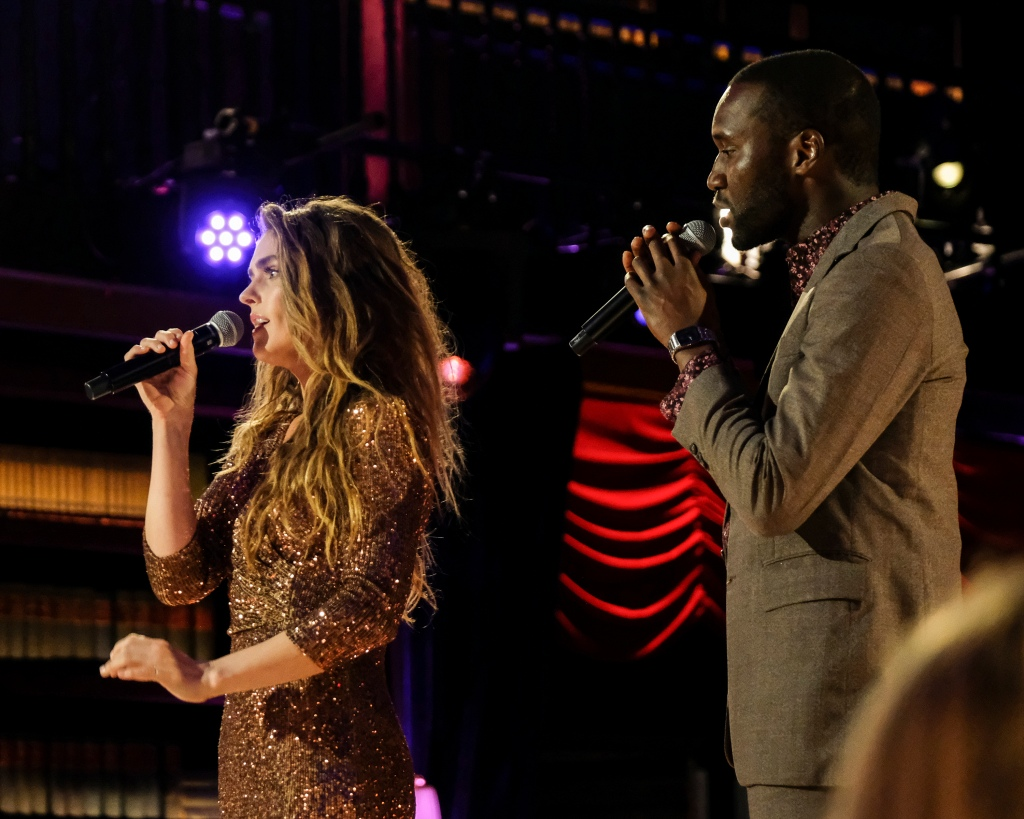 Chris and Bri Sing on Stage During Bachelor Listen to Your Heart