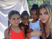 Khloe Kardashian With True, Penelope and North