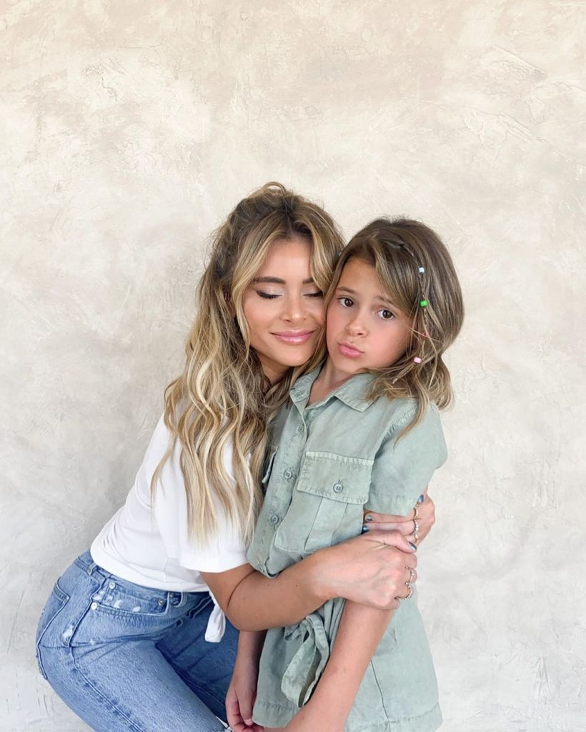 Amanda Stanton Hugs Daughter Kinsley After Going to the Salon Amid the Coronavirus Pandemic