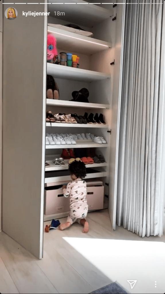 kylie-jenner-stormi-shoe-closet