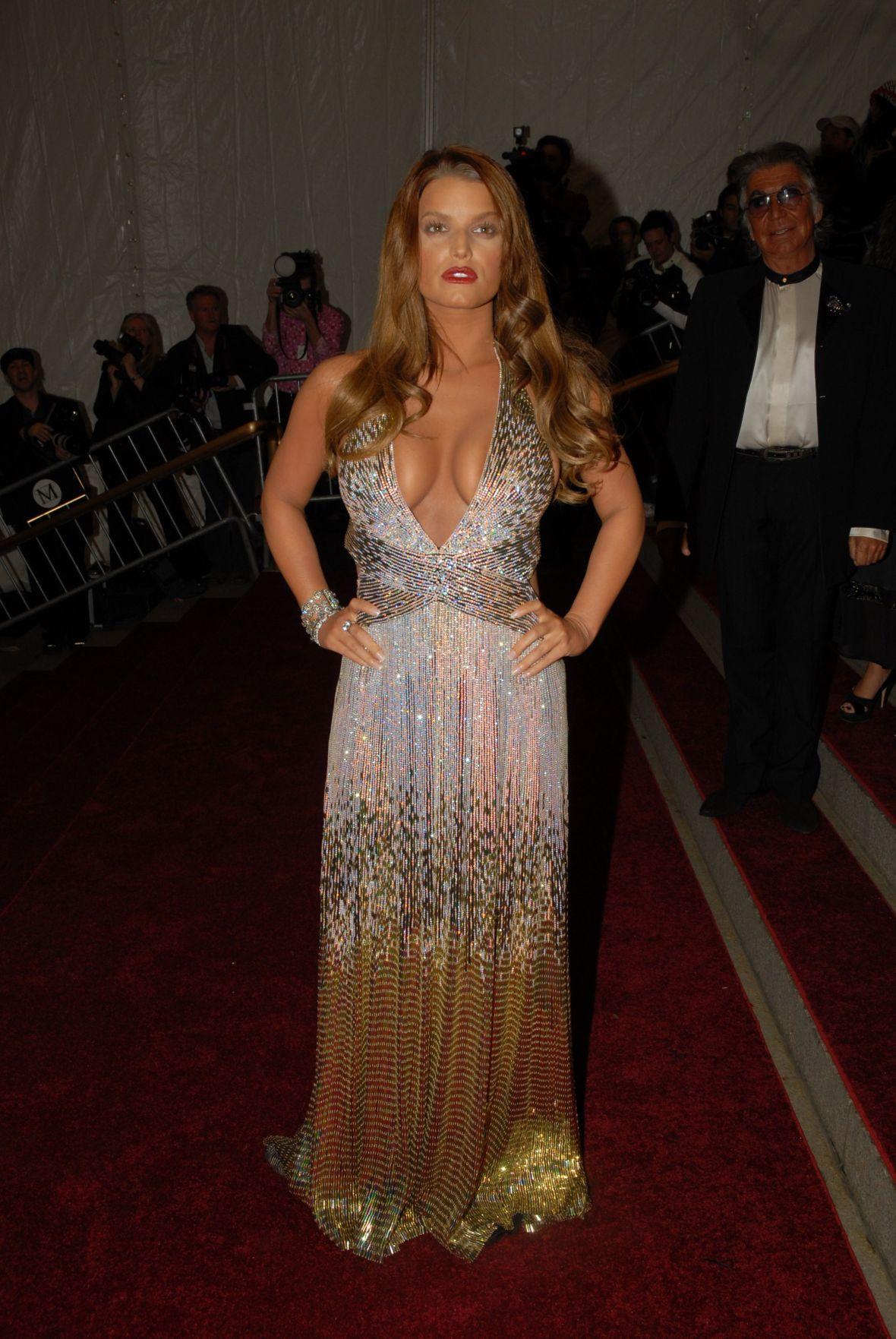 Jessica Simpson in 2007 Met Gown