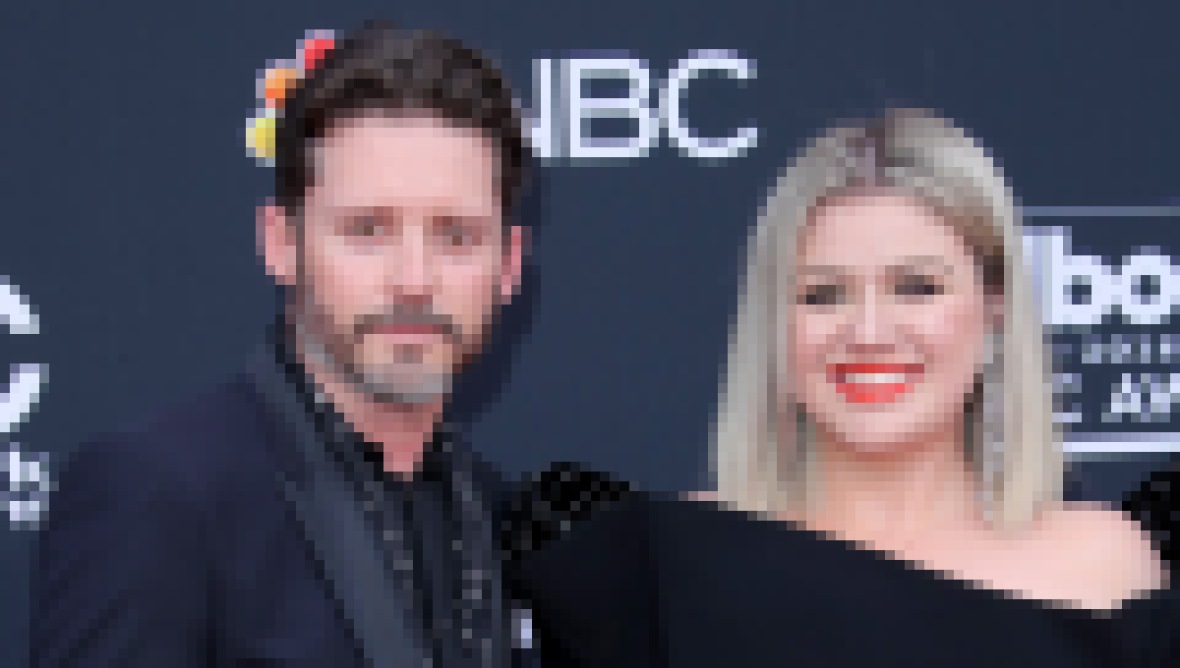 Kelly Clarkson Wears Black Dress and Red Lipstick with Husband Brandon Blackstock