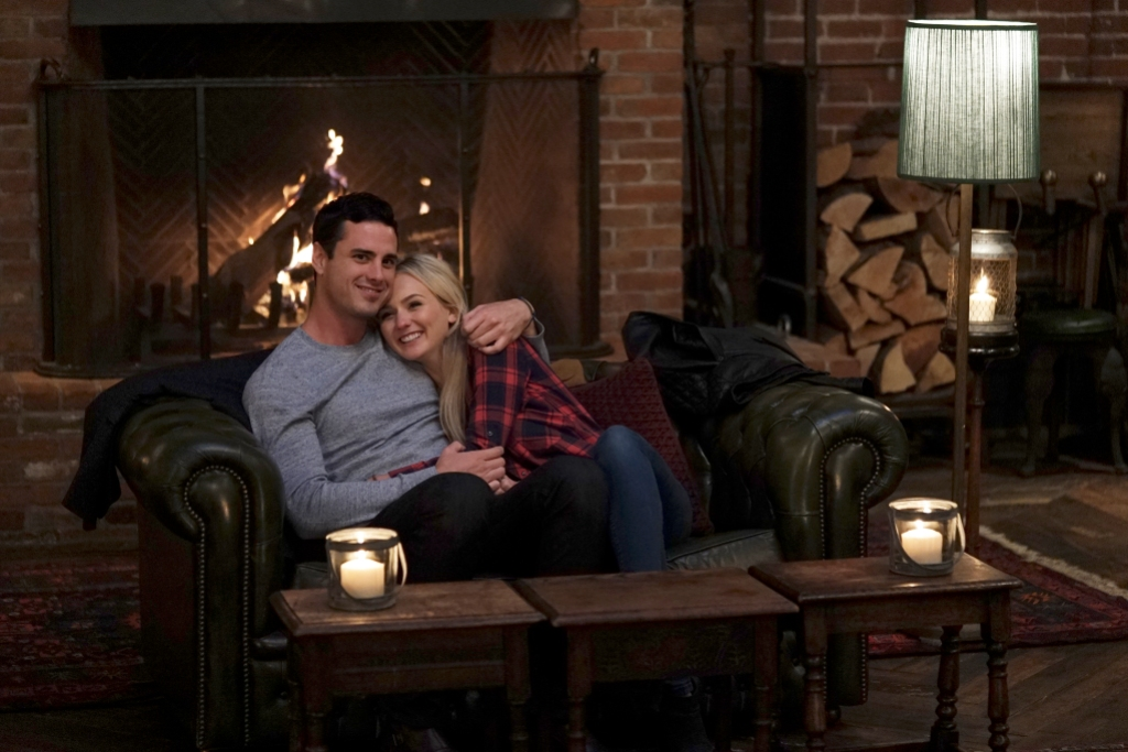 Lauren Bushnell and Ben Higgins Cuddle on Couch on The Bachelor