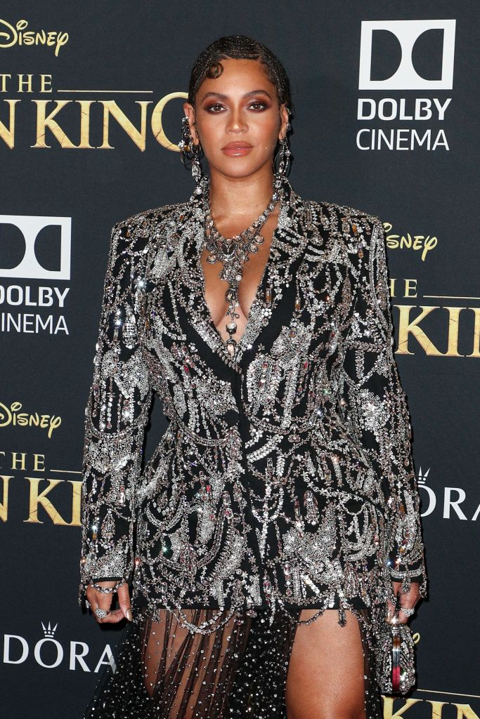 Beyonce Wears Sparkly Suit at Lion King Premiere