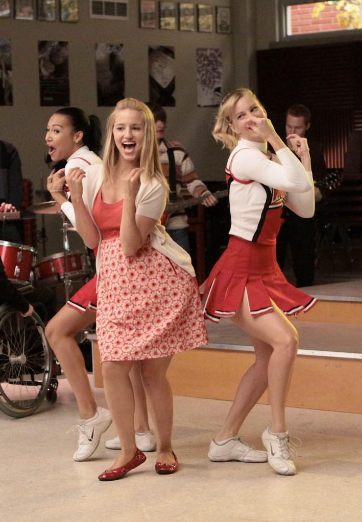 Naya Rivera, Dianna Agron, Heather Morris on Glee Singing